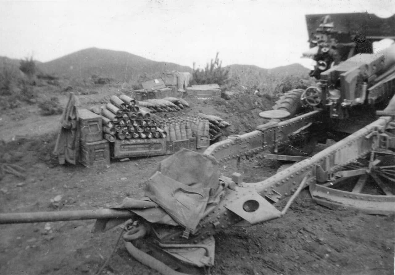 22.-Aug-1951-Crest-of-Hill-overlooking-Imjin-Pos-25