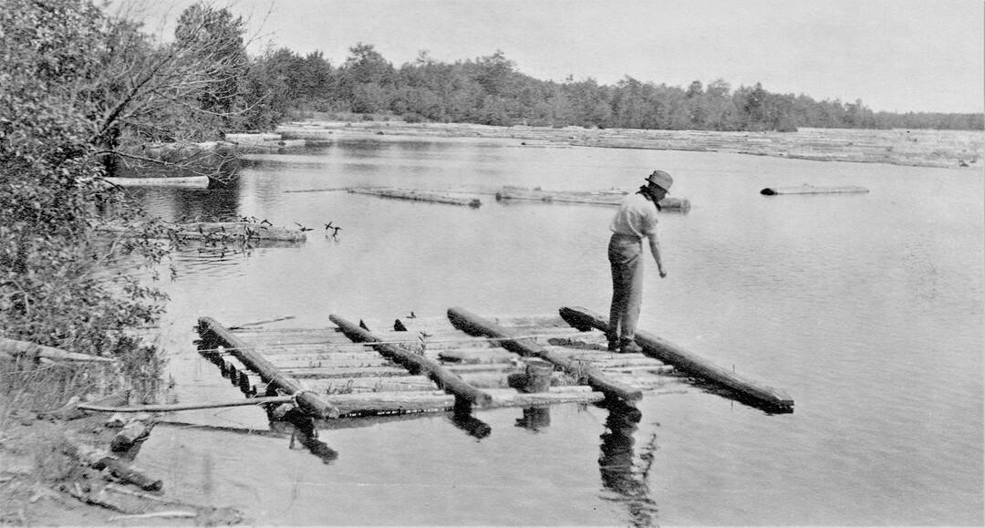 1.-1914-Petawawa-on-the-lake-2