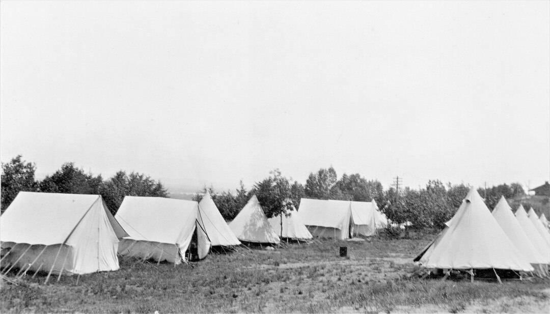 3.-1914-August-Valcartier-Camp-2
