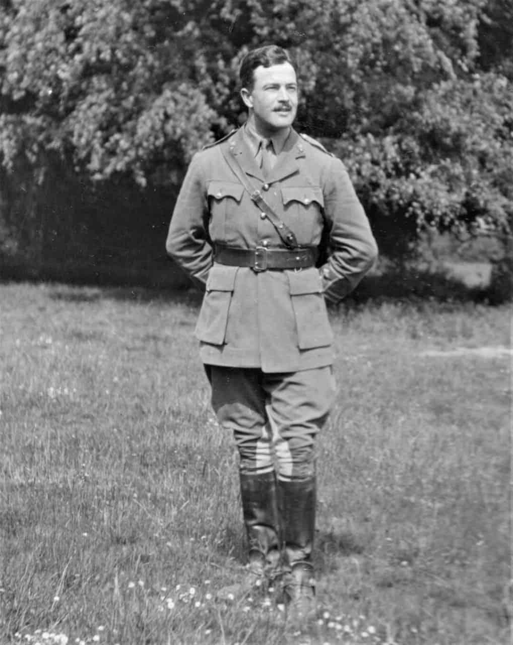 6.-1915-April-Saxe-Browne