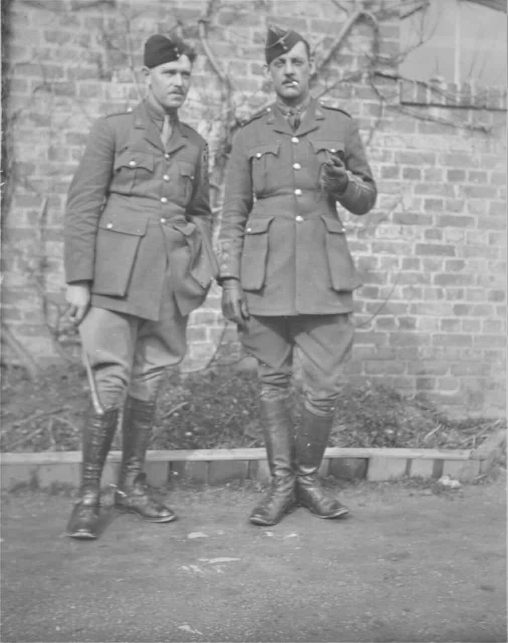 7.-1919-two-Canadian-soldiers