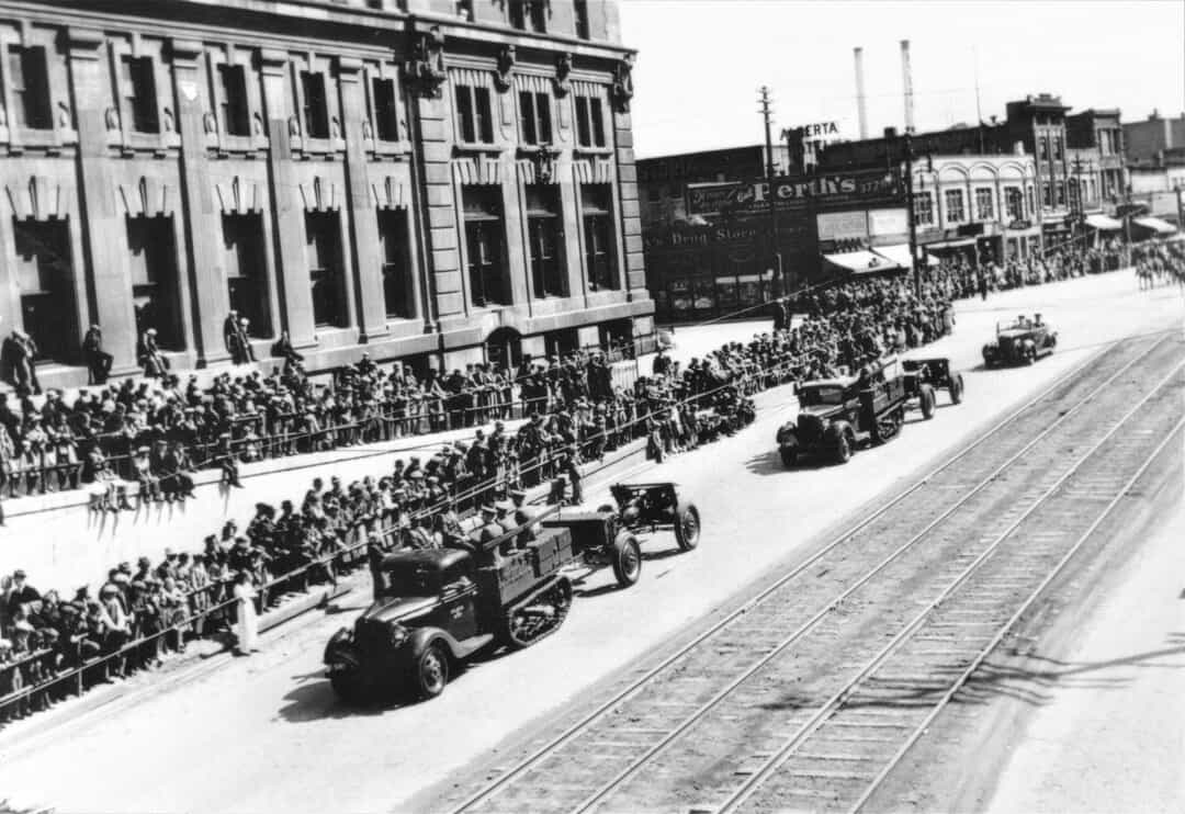 1935-First-Decoration-Parade-with-vehicles-Winnipeg