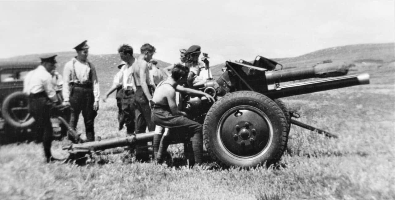 18-Pounder-1930s