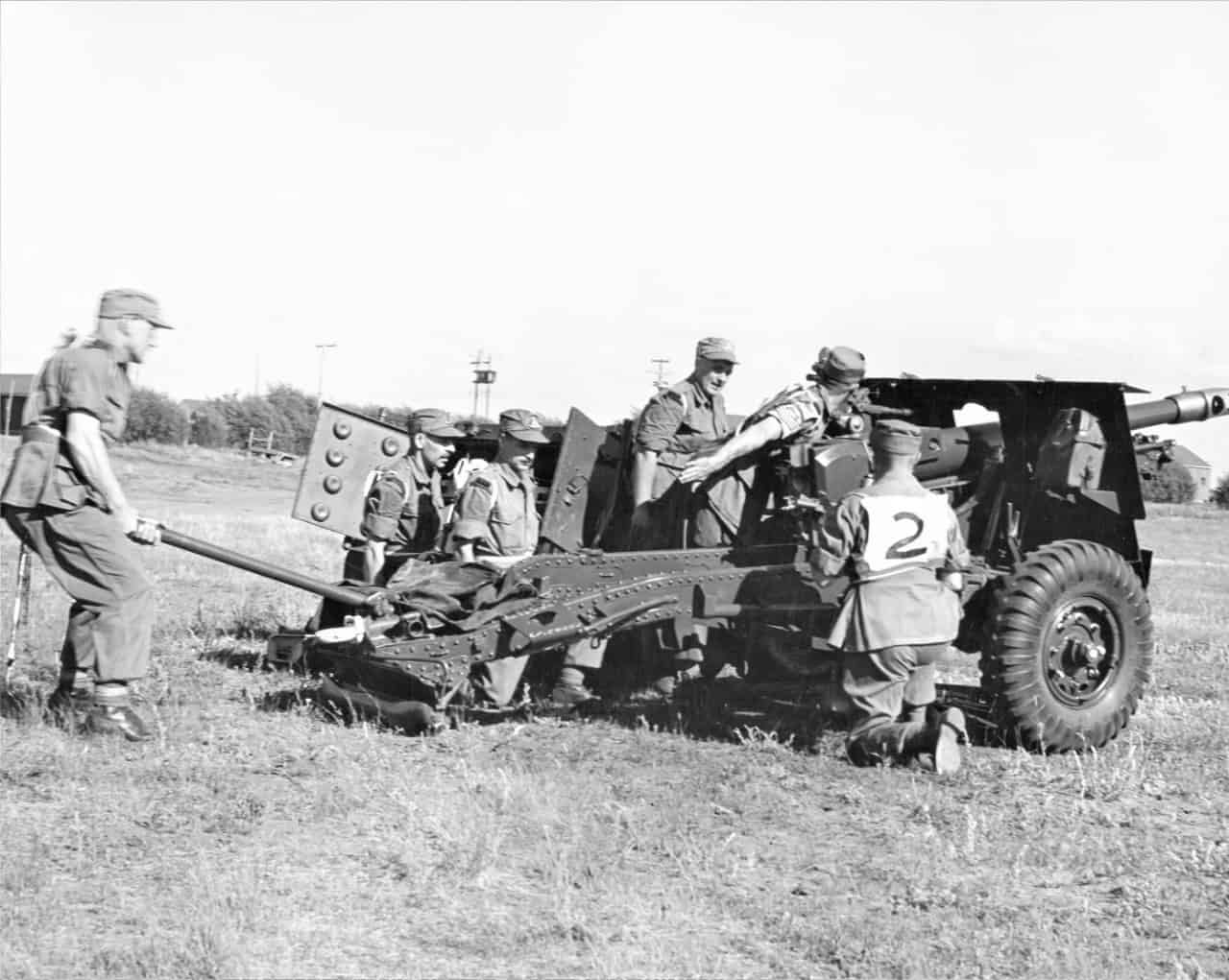 Camp-Shilo-25-Pounder-put-into-action-late-40s