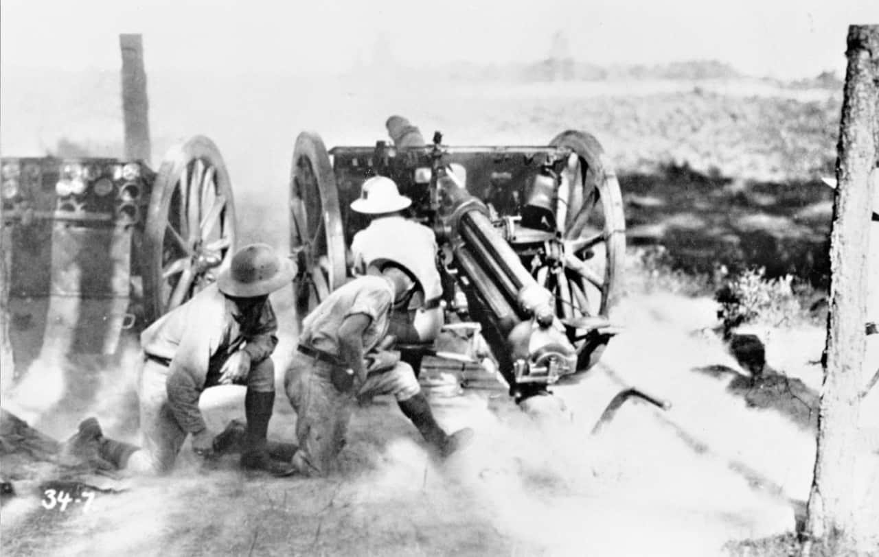 Firing-18-Pounder-1920s